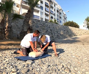 Learn to save lives with Emergency First Response in Almuñécar and La Herradura, Spain