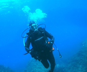 Become a PADI Divemaster, the ultimate diving pro in the ultimate diving destination of Spain